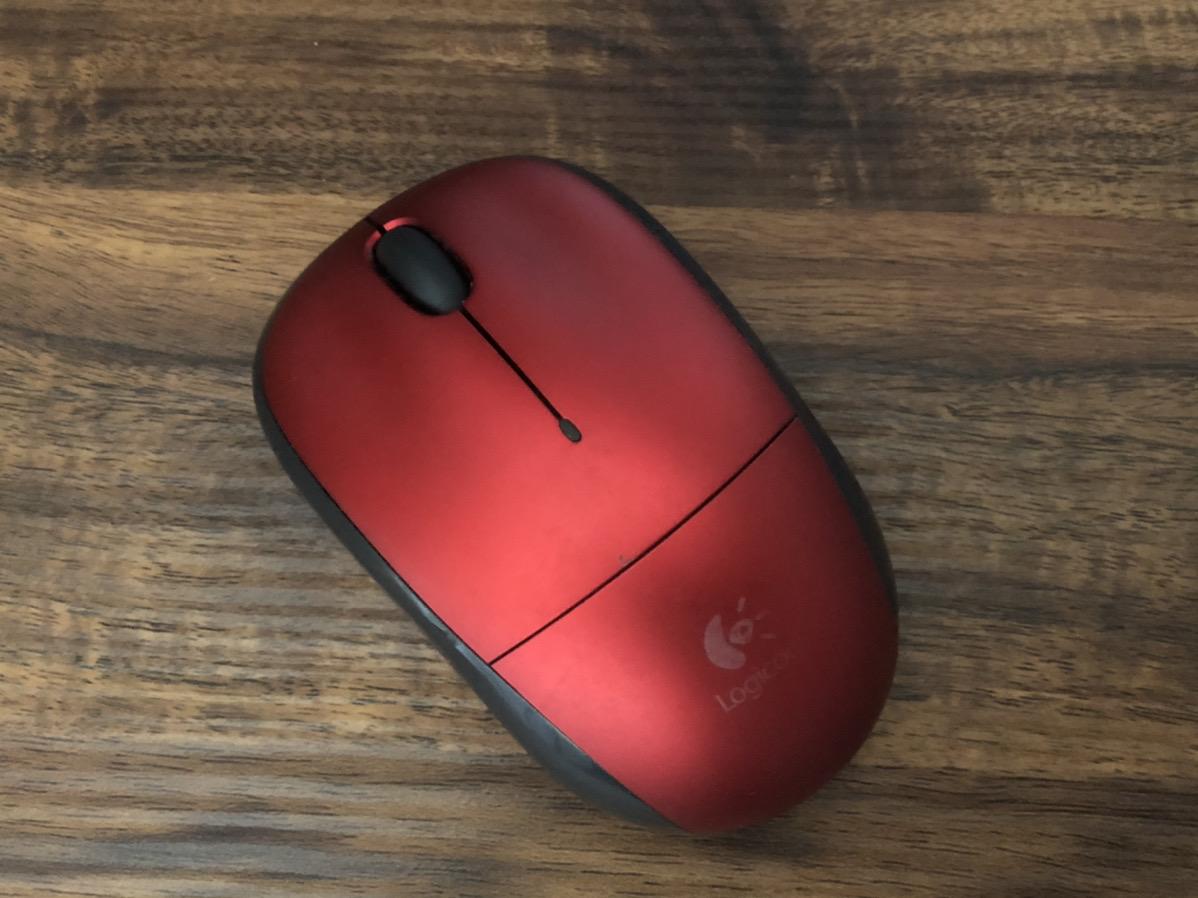 デスクで撮ったマウス
